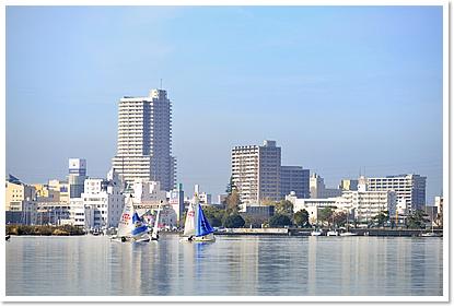 『霞ヶ浦からの土浦駅』の画像