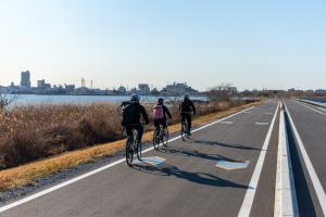 『サイクリング(移住ツアー湖岸)』の画像
